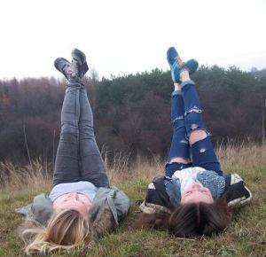 Wiktoria and Karolina: Ferie bez nudy
