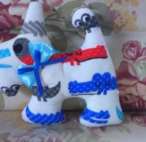 Uszyj to - rękodzieło DIY handmade: Piesek poduszka zabawka maskotka handmade DIY w krokodyle