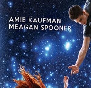 """Zaczytana Majka: [PRZEDPREMIEROWO] Recenzja #104 - Amie Kaufman, Meagan Spooner """"W ramionach gwiazd"""""""