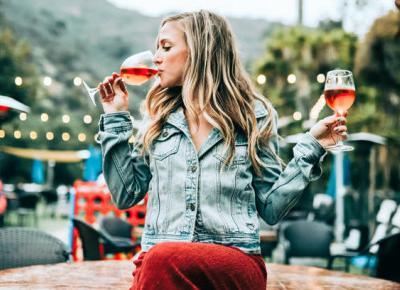 Wino do obiadu – jak wybrać odpowiedni trunek? - Zlota7