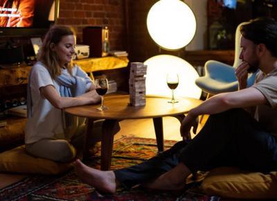 Randki w domu? 20 pomysłów na kreatywną randkę do wypróbowania w domu - Zlota7