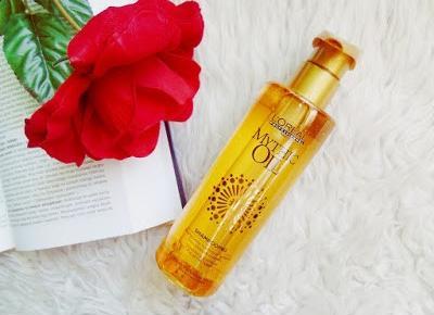 Szampon do pielęgnacji włosów wzbogacony naturalnymi olejkami