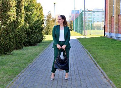 Elegancki zestaw - żakiet i spodnie chinosy w kolorze butelkowej zieleni - Grandio.pl  | Zuzka Pisze