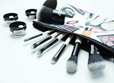 Neauty minerals - mineralne bronzery oraz zestaw pędzli do makijażu | Zuzka Pisze