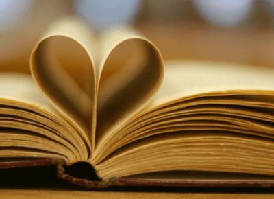 Propozycje prezentów dla miłośników książek | Zuzka Pisze