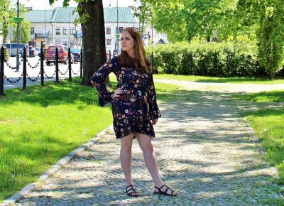 Sukienka AURELIA w kwiaty - SENSISTORE FASHION | Zuzka Pisze - strona typowo kobieca - porady, recenzje, wskazówki