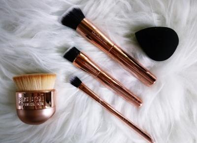 Ultra Sculpt & Blend Collection + Kabuki Brush MAKEUP REVOLUTION | Zuzka Pisze