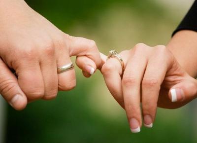 Pierścionek zaręczynowy po ślubie - jak go nosić? | Zuzka Pisze