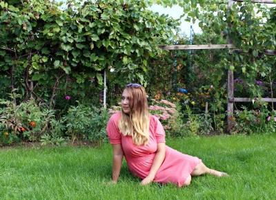 Koralowa shirtowa sukienka - BonPrix | Zuzka Pisze