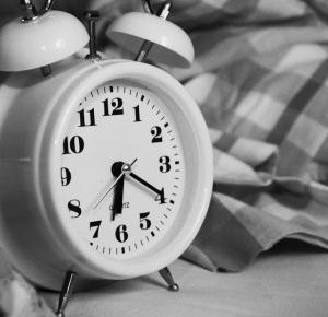 Dobre metody na budzenie się rano